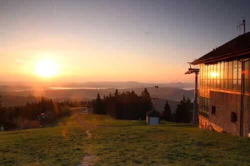 Wschód słońca na Jaworzynie Krynickiej.